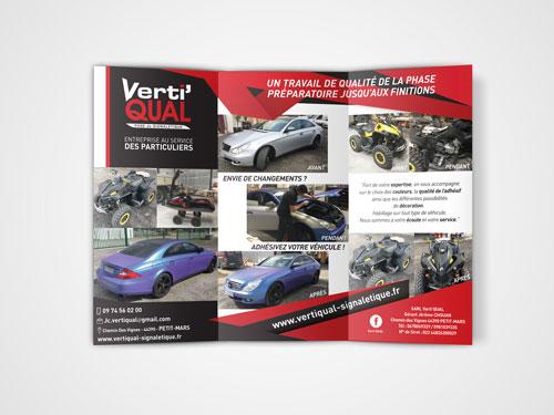 Réalisation brochure design 3 volets d'un spécialiste de la pose de signalétique