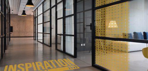 Déco adhésive de sol et vitre de bureaux