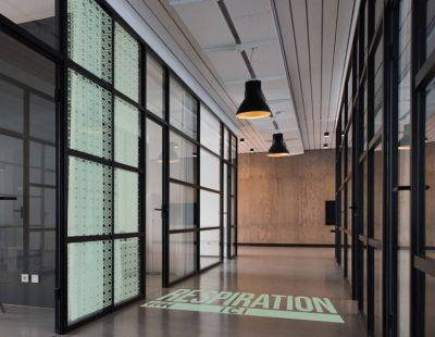 Décoration vitre et sol de bureau